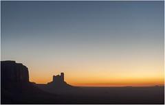 Monument Valley 0023 (Ezcurdia) Tags: monumentvalley utah arizona usa eeuu navajo tsebiindisgaii limolita navajotrivalpark johnfordpoint