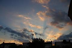 Evening Sunrays 3 (Tony Howsham) Tags: canon eos70d sigma 18250 evening sky sun rays cloud