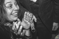 OF-Casamento-BernardineFabricio-8927 (Objetivo Fotografia) Tags: casamento buqu vestido ruiva amor love flores escada quadro digitais maquinadeescrever coraes bolo naked cake bebidas charuto casamorreto noivo noiva objetivofotografia eduardostoll felipemanfroi sobremesa luz sorrisos felicidade celebration celebrao comemoration comemorao amigos famlia family amizade contraluz sombra silhueta balano aia