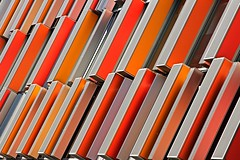 Erfrischungsstbchen (Fotoristin - blick.kontakt) Tags: architecture building hospital front fassade detail colourful diagonal lines abstract orange pattern erfrischungsstbchen fotoristin