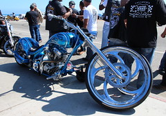 """It's not a motorcycle baby, it's a chopper."" Pulp Fiction (Trail Trekker) Tags: customchopper chopper neptunesnet highway1 southerncaliforniacoast itsnotamotorcyclebabyitsachopperhoponletsgo pulpfiction"