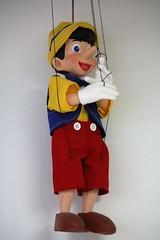 IMG_0118 (www.ilkkajukarainen.fi) Tags: suruton toy museum pinokkio pinoccia pinocho wooden puppet nose big suomi savonlinna finland eu europa muse museet museo museumstuff marionetti museosuruton