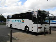 Grassington 11.9.2016 (2) (bebopalieuday) Tags: yorkshiredales wharfedale grassington ydnpcentre coachpark dafsb4000 vanhool alizee 126litre diesel luxurycoach selwyns runcorn liverpool manchester northyorkshire