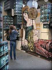 photographes (YOUGUIE) Tags: paris streetart graff graffiti janaujs janajs pochoir stencil malakoff legrand8 larserve