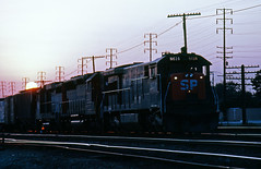 Sunset on the Sunset (GRNDMND) Tags: california sunset trains sp ge cityofindustry sunsetroute u33c souhternpacific