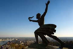 liberty (green.pit) Tags: travel blue sky silhouette statue ed reisen nikon europa europe hungary capital budapest wideangle east nikkor dslr fx ungarn ff buda pest vr afs 2012 d800 1635 weitwinkel 1635mm obuda 14g vollformat nikond800 pitgreenwood