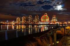 Vancouver Science World Halloween Theme (TOTORORO.RORO) Tags: city autumn light moon canada reflection tourism halloween colors skyline night vancouver lens pumpkin landscape downtown cityscape bc view zoom cloudy jackolantern britishcolumbia sony falsecreek alpha hdr retractable scienceworld oss nex telusworldofscience greatervancouver mirrorless powerzoom 1650mm nex6 selp1650