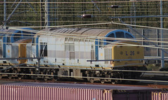 Class 37 37714 renumbered to L26 by Spanish Railways whilst on hire to them (john lilburne) Tags: tractor diesel traction class spanish locomotive 37 railways folkestone 37714 l26