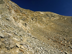 034 - a tight path (TFRARUG) Tags: mountain lake alps cross hike aosta ibex avic dondena