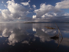 Clouds (da.geli) Tags: italy lake reflection water clouds umbria trasimeno mygearandme mygearandmepremium mygearandmebronze ruby5 bestevercompetitiongroup