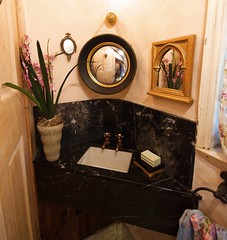 Bathroom Corner Sink (Gary Zuker) Tags: