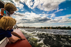 Stocklhom on boat (Miki Maisam) Tags: ocean sea water rio kids river landscape boat mar kid agua barco sweden stockholm paisaje blonde nordic niño estocolmo suecia oceano rubio nilos nordico