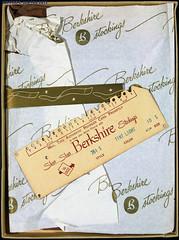 IMG_3209 (SSSH960 Nylons Collector) Tags: stockings box hosiery canon5d bas berkshire seamed ffn proportioned fullyfashionednylons sssh960 51gauge 30denier bascouture no351 madeofdupontnylon 10short box529