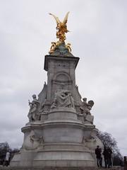 Victoria Memorial (procrast8) Tags: uk england london memorial britain united kingdom palace victoria buckingham