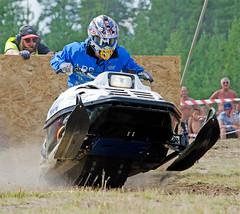 drag039 (minitmoog) Tags: dragrace grass dragracing sleds snowmobiles skoter veteran vintage lycksele
