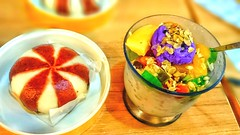 Pinoy foods Halo-halo & Choco pao (Megz Condez) Tags: halohalo chocopao chowking food dessert pinoy foodporn
