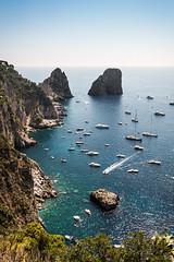 i Faraglioni di Capri... (Minieri Nicola) Tags: capri faraglioni mare spiaggia turismo sea boat travel landscape paesaggio tourism rocce viaggiare vacanze