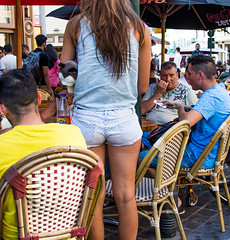 Streetshots - Summer in Brussels (V2) (saigneurdeguerre) Tags: bruxelles belgique be europe europa belgi belgium belgien belgica brussel brussels brssel bruxelas ponte antonioponte aponte ponteantonio saigneurdeguerre canon 5d mark iii 3 street streetshot candid photosderue t summer vro zomer