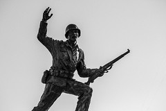 Soldier's Charge (Mabry Campbell) Tags: 2015 houstonphotographer jeffersoncounty koreanwar mabrycampbell october portarthur texas usarmy usa unitedstatesofamerica blackandwhite commercialphotography fineartphotography image man memorial person photo photograph photographer photography soldier statue f32 october32015 20151003h6a1604 200mm sec 100 ef200mmf28liiusm