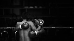 consolation (polo.d) Tags: consolation fair play sport thai boxing muay asi asian thailand fighter cry tears people noir fight