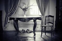 Rincn antiguo (Diego Serra) Tags: old chair table viejo antiguo mesa silla cortinas courtains