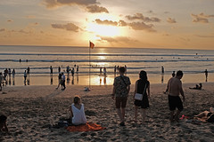 07 (indrarosalia) Tags: bali fujifilm x100t classic chrome kuta pantai vacation terfujilah indonesia sunset beach kuliner food eatwell pak dobil