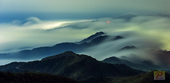 @  _ Are you ready ? @ WuFengShan (Tom Liang) Tags:       wufengshan    sea clouds  sunrise       nikon d3 nikond3 70~200mmf28gvr 70~200mm f28g vr