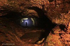 The eye of the cave (thank you for 118.000 views!) (Gus Mercerat ( 130.000 Thanks!)) Tags: light espaa eye monster night canon germany painting munich mnchen ojo noche spain europa nightscape darkness asturias led lp nocturna alemania cave nocturnas frodo markii cueva oscuridad lowepro x21 nocturnes kolo lapp nachtfotos lenser noctambulos gusmercerat intifotografie lucroit