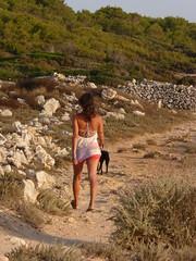 Con l'amico pi fedele (marina 2010) Tags: cane ragazza minorca