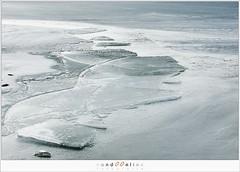 Kuiend ijs (1D134555) (nandOOnline) Tags: winter berg nederland natuur vuurtoren marken landschap noordholland ijselmeer ijs vorst markermeer vriezen ijsschotsen kruiendijs dooien paardvanmarken