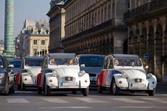 Spotting 2012 - Citroën 2CV (Deux-Chevrons.com) Tags: auto street paris france car automobile automotive citroën spot voiture coche 2cv spotted rue spotting cocorico citroën2cv croisée