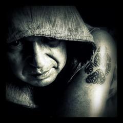 hoodie (Stiller Beobachter) Tags: portrait selfie hood tattoo me
