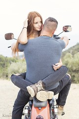 Amor sobre ruedas (kinojam) Tags: retrato portrait amor love moto harleydavidson pareja couple kino kinojam canon canon6d