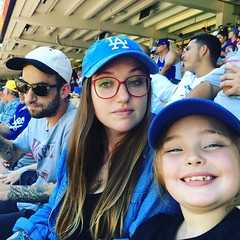 Zoë, Tash and @riouxcitysarsaparilla enjoying #thedodgers #ladodgers #dodgerstadium