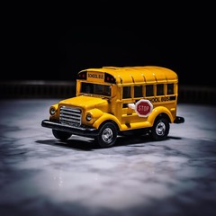 #etienneperrone #schoolbus #object #flash #bus #toy (etienne.perrone) Tags: etienne perrone etienneperrone
