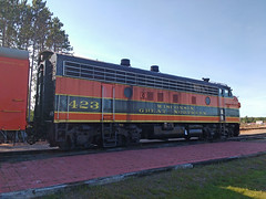 WGN423SpoonerWI9-2-16 (railohio) Tags: wgn trains spooner trego wisconsin d7000 090216 funit f7 wisconsingreatnorthern
