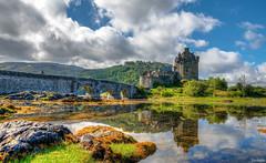 True colors of Eilean Donan (Javiralv) Tags: eilean donan castle hdr scotland escocia clouds color