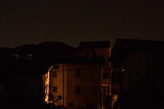 Una notte al paesello (mttdlp) Tags: notte stelle nightscape village d3200 night stars