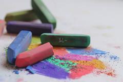 Catch ur crayon  ~ (Yanet Lim) Tags: crayon colorful beautiful gd