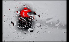 Rojo, no pasar (Red, not pass) (Vilchez57) Tags: foto fotografa rojo efecto psicodlico creativo abstraccin luz color lluvia semforo cristal gotas vilchez57