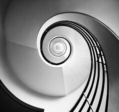Vertigo (ManuMatas) Tags: spiral escaleradecaracol berlin pentagrama blancoynegro
