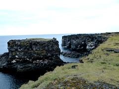 P1030805  Lava-Basaltkste Skardsvik (margrit_gertrud) Tags: iceland snaefellsnes lavacoast hellisandur