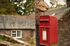 Gartness Post Box (Tamas Katai) Tags: red scotland countryside village post unitedkingdom box stirling country gb stirlingscotland gartness