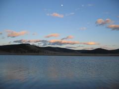 Khovsgol lake in Mongolia (mbphillips) Tags: nomad mongolia モンゴル 몽골 蒙古 asia アジア 아시아 亚洲 亞洲 mbphillips canonixus400 lake 호수 湖 lago geotagged photojournalism photojournalist