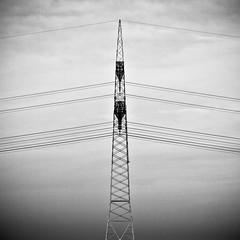 Stromlinien (thombe77) Tags: bw white black tower canon germany square deutschland eos 50mm power pole magdeburg 7d sw electrical strom schwarz kabel cabel leitungen quadrat quadratisch strommast weis welsleben