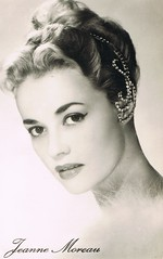 Jeanne Moreau (Truus, Bob & Jan too!) Tags: cinema film vintage movie french star globe glamour kino european francaise postcard picture cine screen actress movies postal jeanne moreau postale cartolina carte allure postkarte filmstar vedette jeannemoreau lucienne ansichtkaart actrice filmster postkaart tarjet briefkarte edug luciennechevert chevert