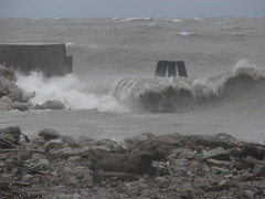 Remnants of Hurricane Sandy (k2sleddogs) Tags: lakemichigan breakers bigwaves whitingindiana k2sleddogs hurricanesandy