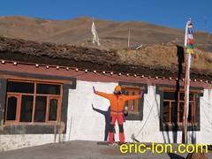 Eric Lon yoga at Demul (27) (Eric Lon) Tags: india cold yoga energy dynamic tibet heat practice souffle himalaya breathe froid warming spiti breathing inde tibetain himalayen chaleur activate respiration ericlon rechauffer demul acriver