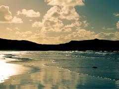 Bretagne (guah) Tags: blue sea mer france azul photo foto bretagne bleu retouch plage contrejour finistre retouche blancssablons