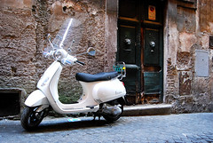 DSC_2190 (Simona Ray) Tags: street door light white roma vespa